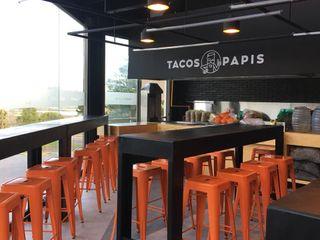 Xome Arquitectos Modern dining room Black