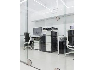 WITHJIS(위드지스) Lojas e Espaços comerciais modernos Vidro Transparente
