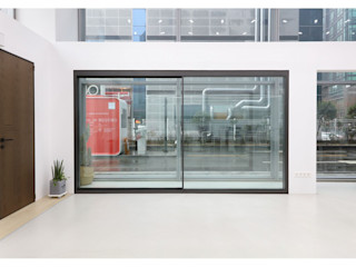 WITHJIS(위드지스) Centros de exposições modernos Alumínio/Zinco Cinzento