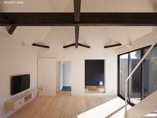 平屋デザインの家 OUCHI-41 石川淳建築設計事務所 ミニマルデザインの リビング 木 白色