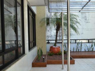 Atelier Plural Roof