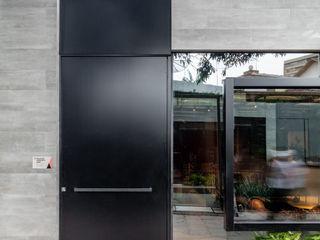 Arquitetura Sônia Beltrão & associados Fenster & TürTüren Aluminium/Zink Schwarz
