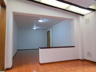 AlejandroBroker Classic style living room