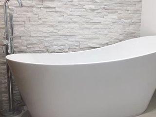 Dab dwelling Dab Den Ltd Modern Bathroom Stone White