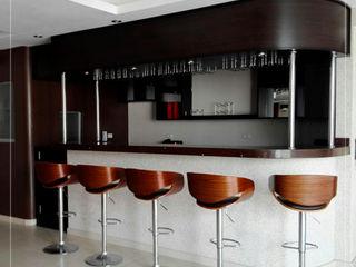 Construcción - Nuovo Sapore Corporación Siprisma S.A.C Comedores de estilo ecléctico Marrón