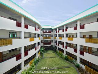 TakenIn Escuelas de estilo moderno