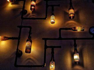 Iluminacion Industrial Eclectica Botellas Vidrio Pared Cerveceria Lamparas Vintage Vieja Eddie Oficinas y locales comerciales Vidrio Multicolor