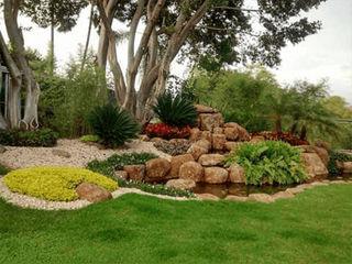 Inova Diseño y Decoracion Jardines con piedras Hormigón Multicolor