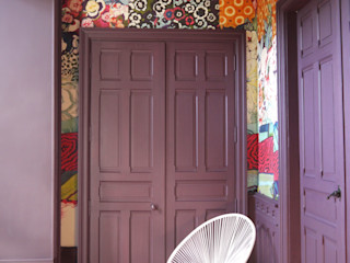 COLORÉ & DÉCALÉ MIINT - design d'espace & décoration Couloir, entrée, escaliers originaux Violet