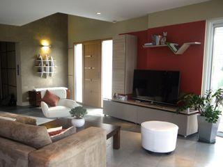 ÉQUILIBRE RETROUVÉ MIINT - design d'espace & décoration Salon moderne Orange
