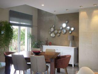 ÉQUILIBRE RETROUVÉ MIINT - design d'espace & décoration Salle à manger moderne Beige