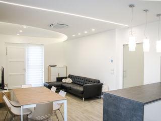 Studio ARCH+D غرفة المعيشة White