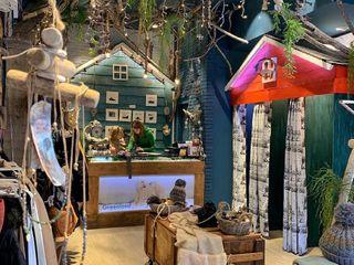 Diseño y Decoración de Tienda de Ropa y Regalos Palets de Lujo Oficinas y tiendas