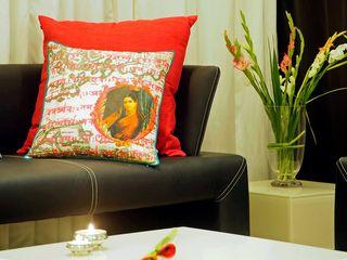 Olive Interiors 客廳沙發與扶手椅