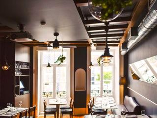 Restaurante - O Caçula MOYO Concept Espaços de restauração eclécticos Derivados de madeira Cinzento