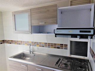 AlejandroBroker Modern kitchen