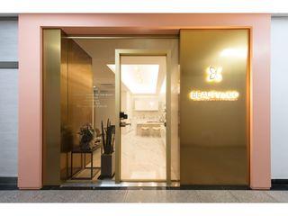 WITHJIS(위드지스) Centros Comerciais modernos Alumínio/Zinco Ambar/dourado