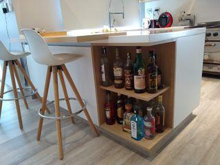 MOBILFE Built-in kitchens Quartz White