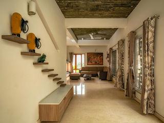 Ink Architecture Pasillos, vestíbulos y escaleras de estilo moderno