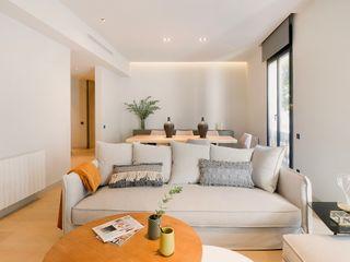 Markham Stagers Ruang Keluarga Modern Grey