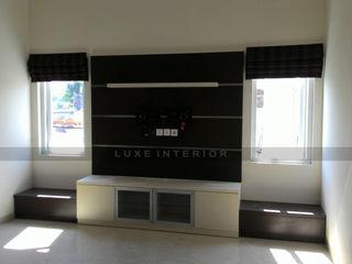 luxe interior 客廳電視櫃 合板 Multicolored