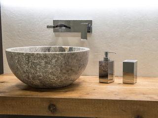 Uno showroom dedicato all'arredamento da bagno Idearredobagno.it Bagno minimalista Rame / Bronzo / Ottone Metallizzato/Argento