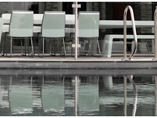 ONE TO SIT - indoor & outdoor furniture 花園家具 塑膠 White
