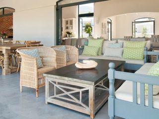 Overberg Interiors Classic style balcony, veranda & terrace