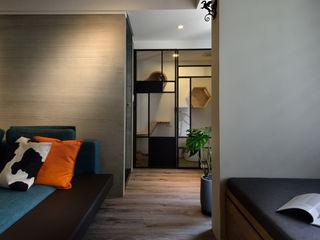 星葉室內裝修有限公司 Industrial style corridor, hallway and stairs Metal