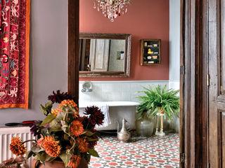 Private House Project by KAROİSTANBUL KAROİSTANBUL Bagno in stile rustico Cemento Variopinto