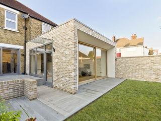 Honor Oak Park Home - London SE23 Designcubed Nhà có sân thượng Gạch Beige
