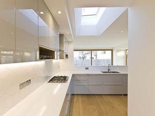 Honor Oak Park Home - London SE23 Designcubed Nhà bếp phong cách hiện đại Thạch anh Grey