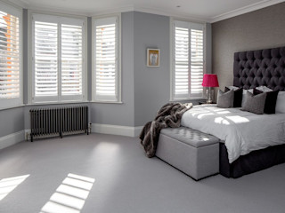 A Classic Contemporary Home in Clapham South Plantation Shutters Ltd Phòng ngủ nhỏ Than củi White