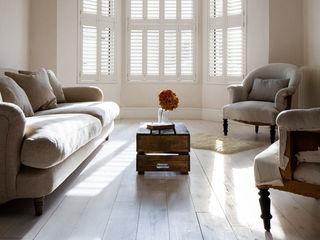 Minimal on Content But Huge on Style Plantation Shutters Ltd Phòng khách phong cách Bắc Âu MDF White