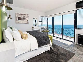 Overberg Interiors Modern style bedroom