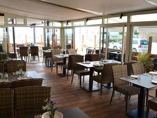 Decoración Restaurante Un Lugar Palets de Lujo Paredes y suelosColores y acabados Madera Acabado en madera