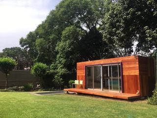 A4AC Architects Rumah kecil Parket Beige