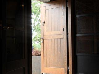 Hotel Unanue Zar Zuhaizki Puertas y ventanasPuertas Madera maciza Acabado en madera
