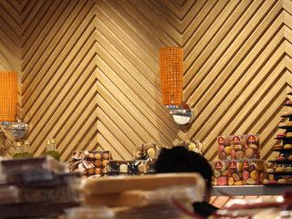 Ogi Berri Tolosa Zuhaizki Paredes y suelos de estilo moderno Madera maciza Acabado en madera