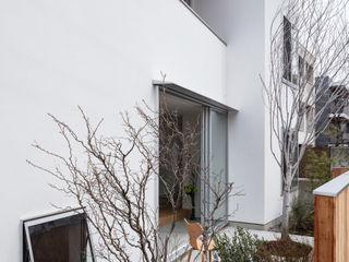 hm+architects 一級建築士事務所 Будинки Білий