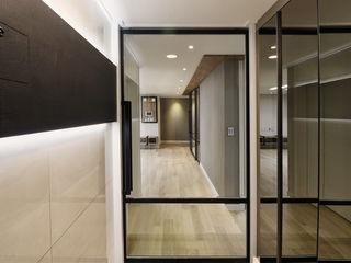 블랑브러쉬 Modern Corridor, Hallway and Staircase