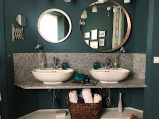 restyling bagno Arch. Silvana Citterio Bagno in stile classico Ceramica Verde
