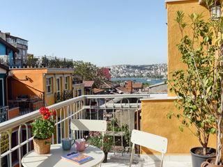 Private House Project-2 by KAROİSTANBUL KAROİSTANBUL Balcone Piastrelle