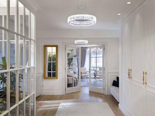 Egue y Seta Ingresso, Corridoio & Scale in stile classico