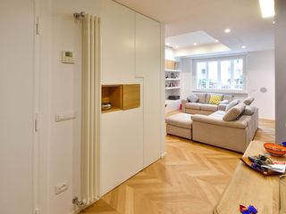 Formaementis Corredores, halls e escadas modernos
