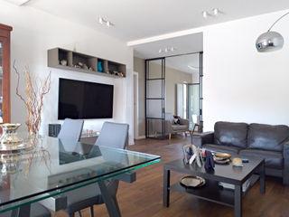 Nicola Sacco Architetto Comedores de estilo ecléctico Madera Blanco