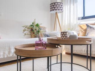 Home staging para venta en Alcalá de Henares CASA IMAGEN SalonesMesas de centro y auxiliares