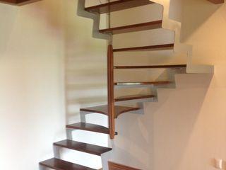 HELIKA Scale Escaleras Madera Acabado en madera
