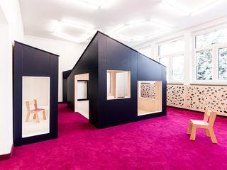 PORT pracownia i studio architektury 學校 Pink