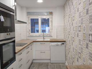 Reformadisimo Eclectic style kitchen